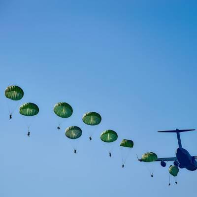 parachute militaire